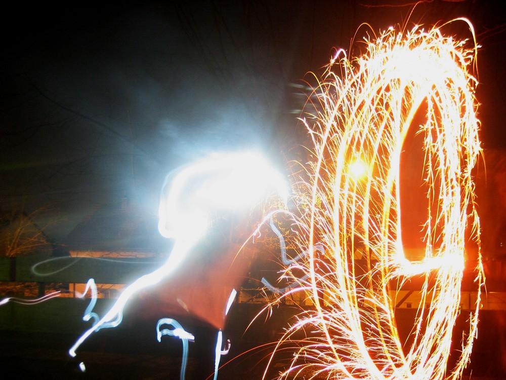 Lightpainting - Zeichnen mit Licht - Schülerarbeit Feuerkegel